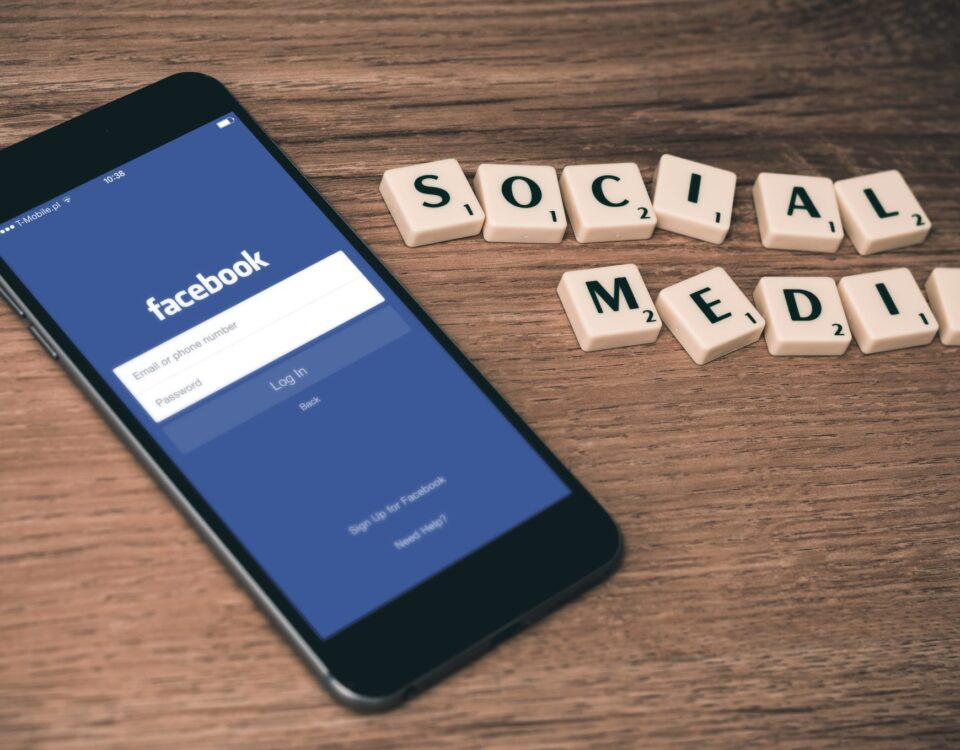 افزایش دانلود اپلیکیشن با شبکه های اجتماعی